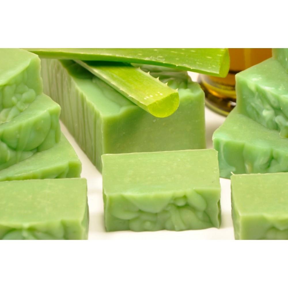 Jabón natural de aloe vera sin sosa cáustica